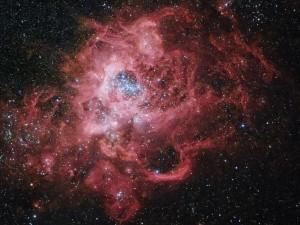 Tähdet syntyvät tällaisessa kaasupilvessä. Jumalan teot ovat ihmeellisiä sekä makromaailmassa että mikromaailmassa. Kuinka ihmeellistä onkaan lapsen kehittyminen äidin kohdussa! Kuva: NASA